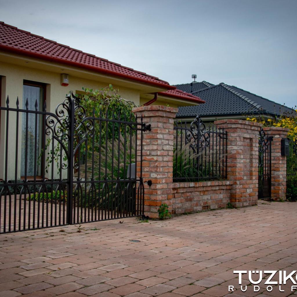 Klasszikus kovácsoltvas kapu 7